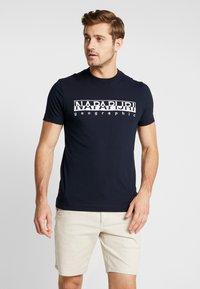 Napapijri - EMBRO - T-shirt con stampa - blue - 0