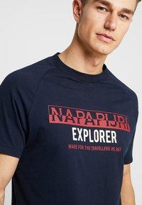 Napapijri - SOVES - T-shirt print - blu marine - 4