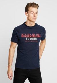 Napapijri - SOVES - T-shirt print - blu marine - 0