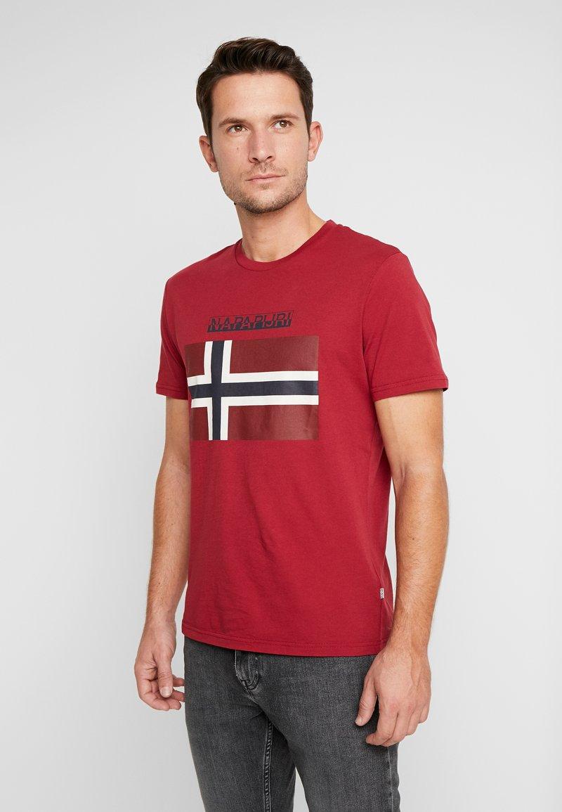 Napapijri - SAXY  - Camiseta estampada - rhubarb red