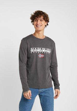 Maglietta a manica lunga - volcano