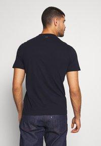 Napapijri - SOLANOS - Camiseta estampada - marine - 2