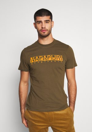 SOLANOS - T-shirt z nadrukiem - green way