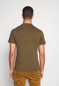 Napapijri - SOLANOS - T-shirts print - green way - 2