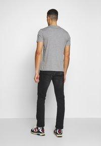 Napapijri - SARAS SOLID - Camiseta estampada - grey melange - 2