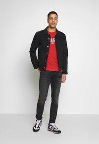 Napapijri - SARAS SOLID - Camiseta estampada - bright red - 1