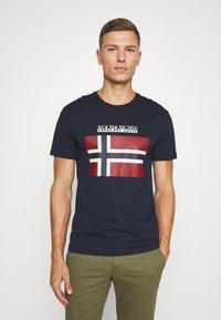 Napapijri - SELLYN - Camiseta estampada - blue marine - 0