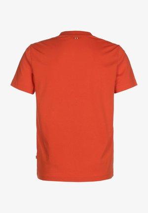 T-SHIRT SOLANOS - Print T-shirt - orangeade
