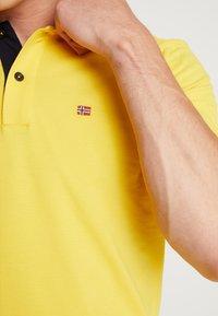Napapijri - Koszulka polo - freesia yellow - 4