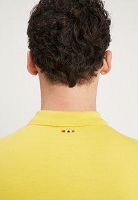 Napapijri - Koszulka polo - freesia yellow - 3