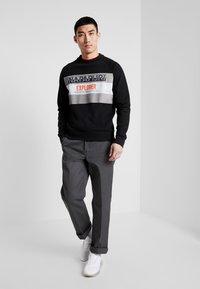 Napapijri - BOVES - Sweatshirt - black - 1