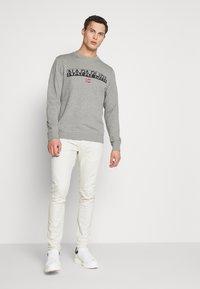 Napapijri - BARAS CREW NECK - Sweatshirt - mottled grey - 1