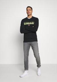 Napapijri - BARAS CREW NECK - Sweatshirt - black - 1
