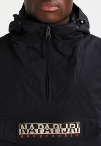 Napapijri - RAINFOREST SUMMER - Windbreaker - black - 3