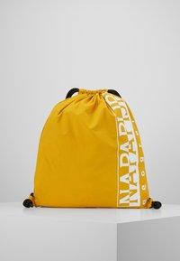 Napapijri - HACK GYM - Sportovní taška - mango yellow - 0