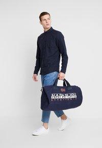 Napapijri - BERING  - Sportovní taška - blu marine - 1