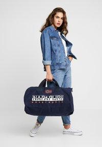 Napapijri - BERING  - Sportovní taška - blu marine - 5