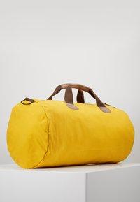 Napapijri - BERING - Weekendtas - mango yellow - 2
