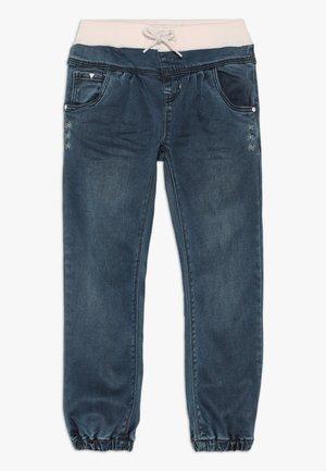 NMFBIBI DNMTORA PANT  - Skinny džíny - dark blue denim