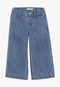 Name it - NMFBACULOTTA WIDE PANT - Flared Jeans - medium blue denim - 0