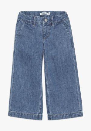 NMFBACULOTTA WIDE PANT - Jeans a zampa - medium blue denim
