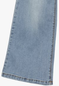 Name it - NKFATERETE WIDE PANT - Jeans bootcut - light blue denim - 2