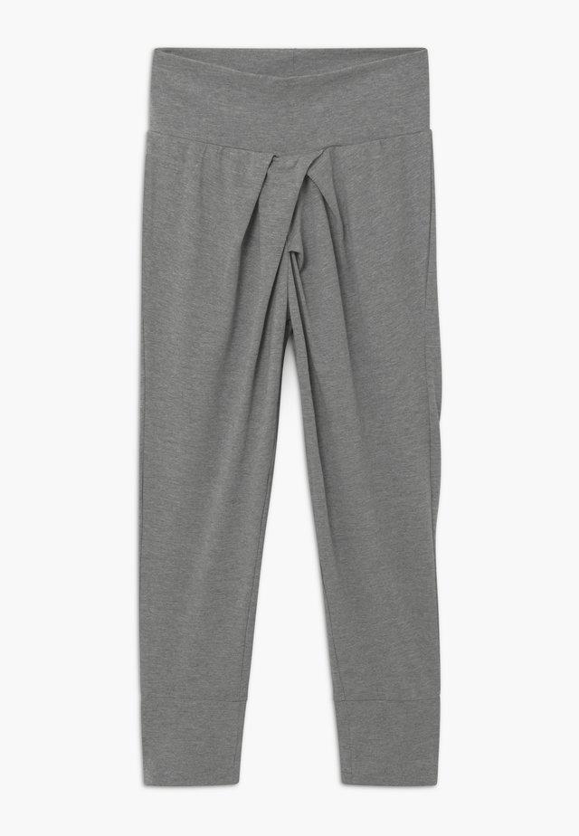 NKFVAIA SOLID PANT - Verryttelyhousut - grey