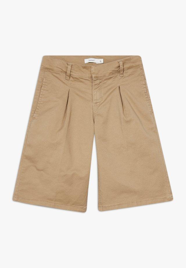 NKFRANDI TWIBATICKA LONG - Shorts - kelp