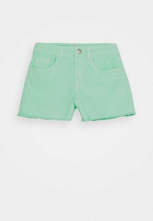 NKFRANDI MOM TWIIZZA CAMP - Shorts di jeans - green ash