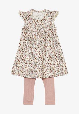 NBFHUTINA DRESS NBFHORINA SET - Leggings - Trousers - nostalgia rose