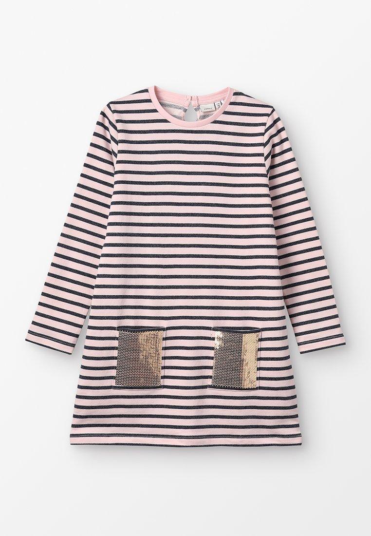 Name it - NKFBIRTHE DRESS - Vestido informal - strawberry cream
