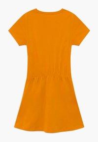 Name it - NKFVELVET 2 PACK  - Žerzejové šaty - cadmium yellow - 2