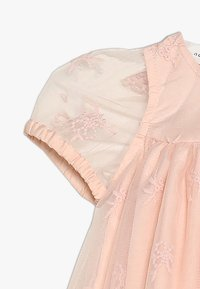 Name it - NBFDALINE DRESS - Cocktailkjoler / festkjoler - strawberry cream - 2