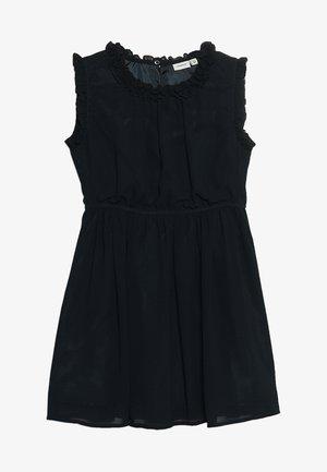 NMFVILUSI DRESS MINI - Cocktailklänning - dark sapphire