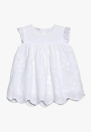 NBFHIRSE SPENCER - Koktejlové šaty/ šaty na párty - bright white