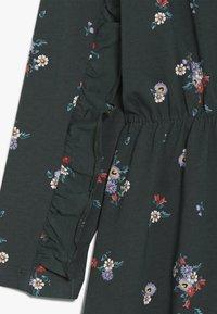 Name it - NKFLASIA DRESS - Jerseyklänning - green gables - 3