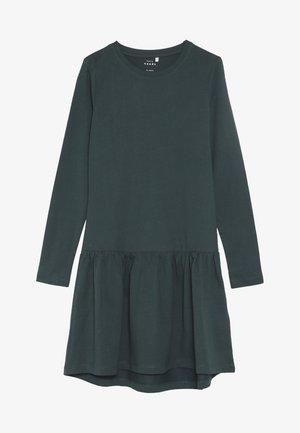 NKFVETA DRESS  - Žerzejové šaty - green gables