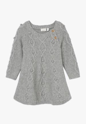 NBFNASIL DRESS - Gebreide jurk - grey melange