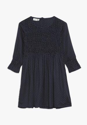 NMFSACHA MIDI DRESS - Denní šaty - dark sapphire