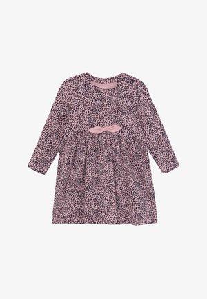 NBFTIANA DRESS - Žerzejové šaty - pink nectar