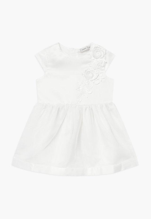 NMFSHILA - Sukienka koktajlowa - bright white
