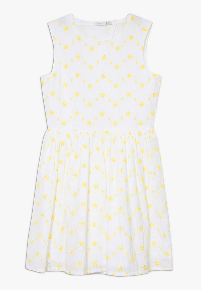 NKFFREJA SPENCER - Cocktailjurk - bright white