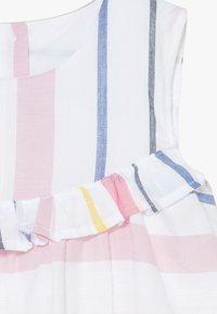 Name it - NMFFEODORA SPENCER - Robe d'été - snow white - 2