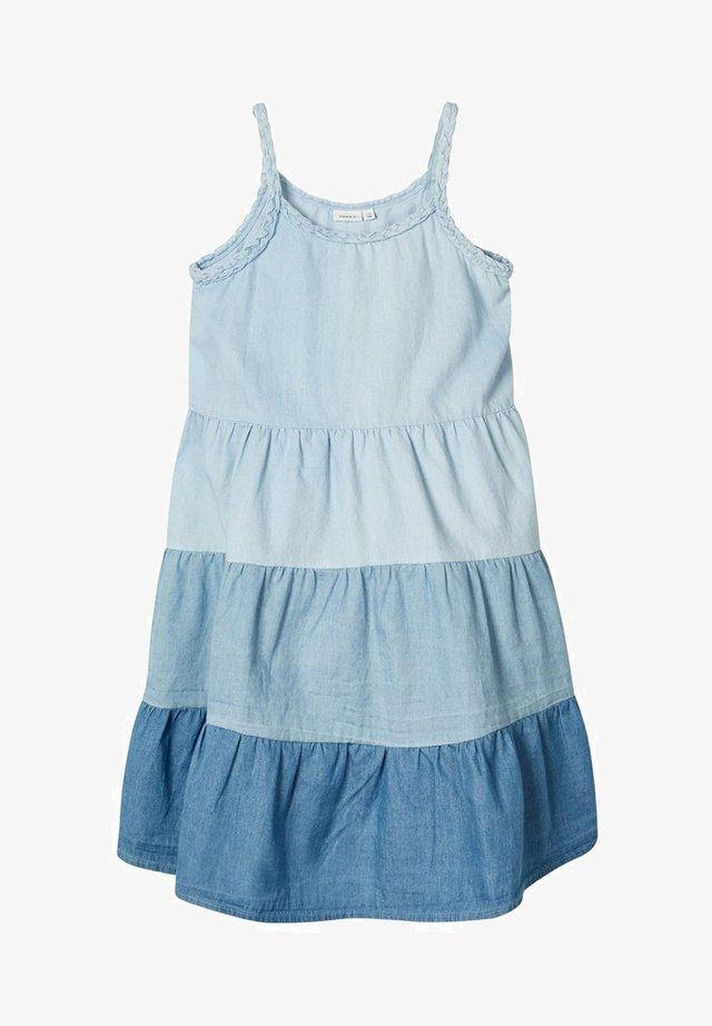MEHRFARBIGES - Denim dress - light blue denim