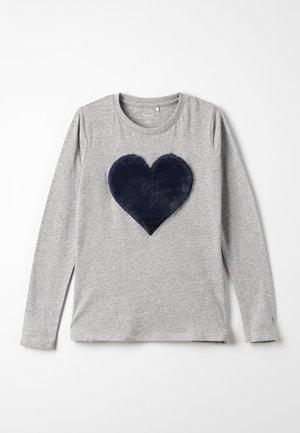 NKFFLUF HEARTMINI - Pitkähihainen paita - grey melange