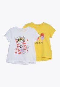 Name it - NMFVIOLET 2 PACK - Print T-shirt - bright white/primrose yellow - 0
