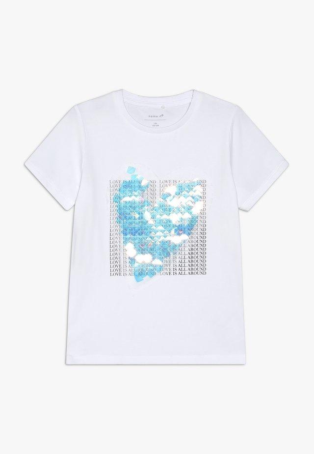 NKFTILIS - Printtipaita - bright white