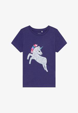 NKFDANIELLE - T-shirt med print - navy blue