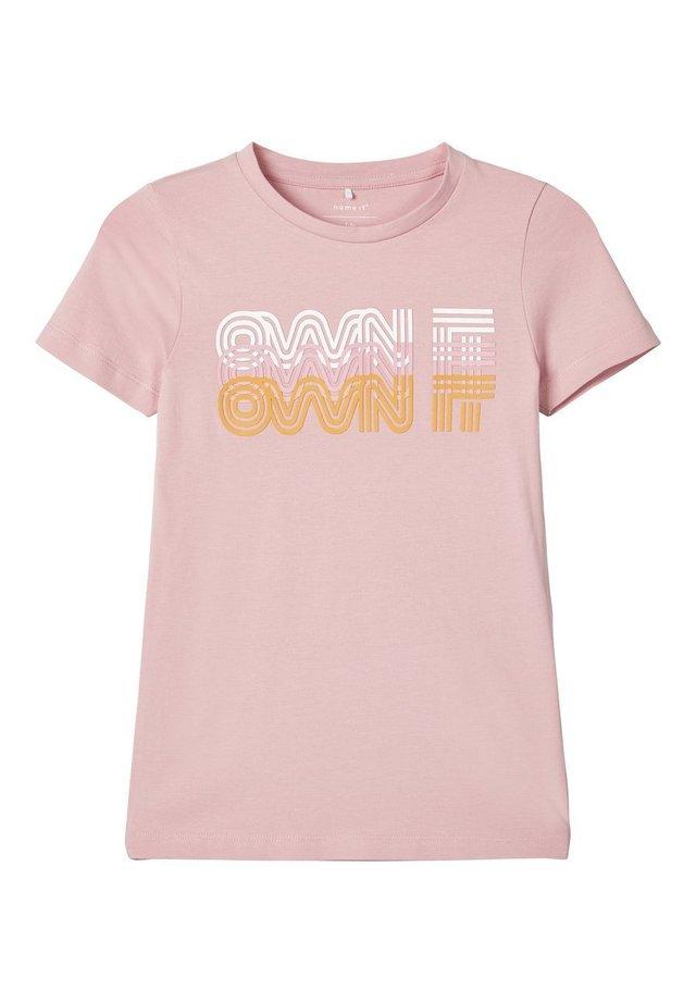 T-shirt print - zephyr