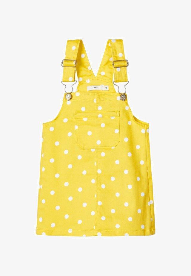 NAME IT PINAFORE-KLEID GEPUNKTETES - Korte jurk - aspen gold